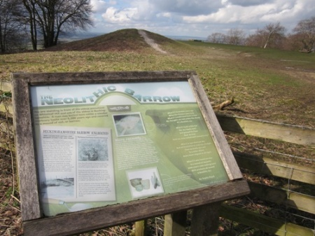Whiteleaf Hll Neolithic Barrow