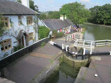 Crossing the bottom lock at Foxton