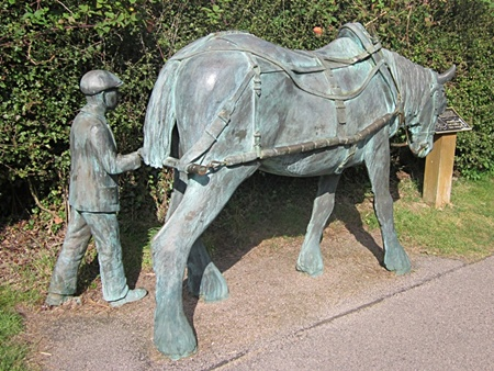 Boat horse in bronze at Foxton