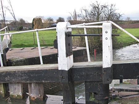 Zouch lock and the warning board showing 'Red'
