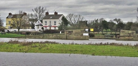 Trent Lock and the Erewash canal a popular destination for leisure