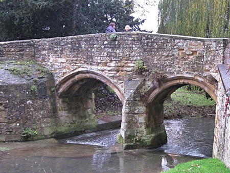 Flemings Bridge over the River Devon at Bottesford